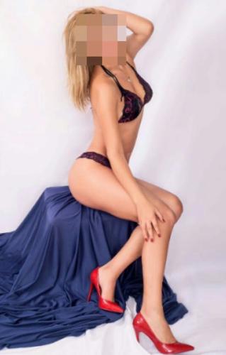 Çekici Güzeller Sabina Ve Alisiya